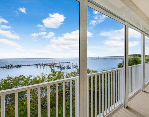 547 Balcony View